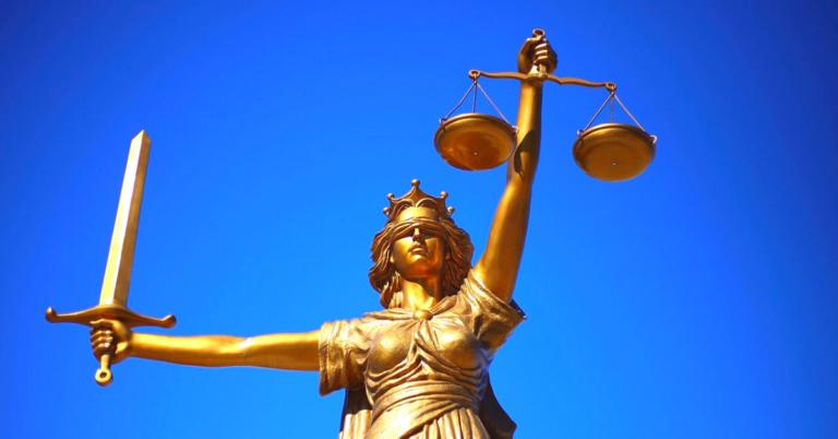 La Giustizia, il pomo della discordia
