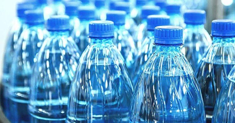 L'impatto ambientale dell'acqua in bottiglia